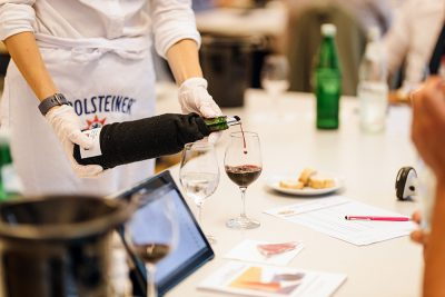 Berliner Wine Trophy - Wine Pouring - Red Wine Bottle - Service Girl - Wine Tasting - Wine Challenge